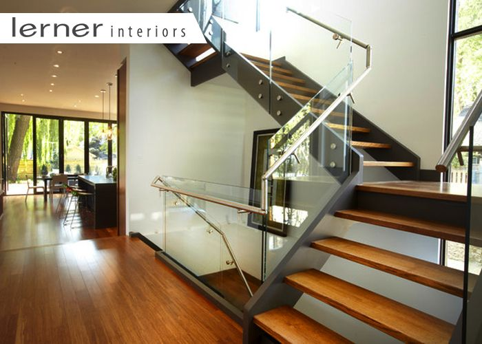 Stylish-Coverings-to-Dress-Stairway-Windows
